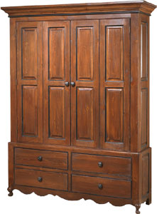Superbe Country French Armoire
